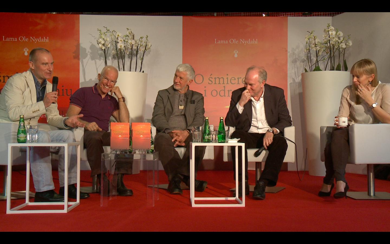 Od lewej: tłumacz Wojtek Tracewski, autor Lama Ole Nydahl, psycholog Wojciech Eichelberger, dziennikarka Marzena Rogalska.