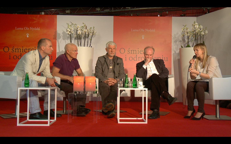 Od lewej: tłumacz Wojtek Tracewski, autor Lama Ole Nydahl, psycholog Wojciech Eichelberger, profesor Cezary Szczylik, dziennikarka Marzena Rogalska